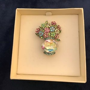 Jewelry - Vase of Flowers Brooch - NIB